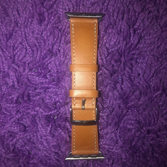 Accessories - Leather Apple Watch Band (42mm/44mm)